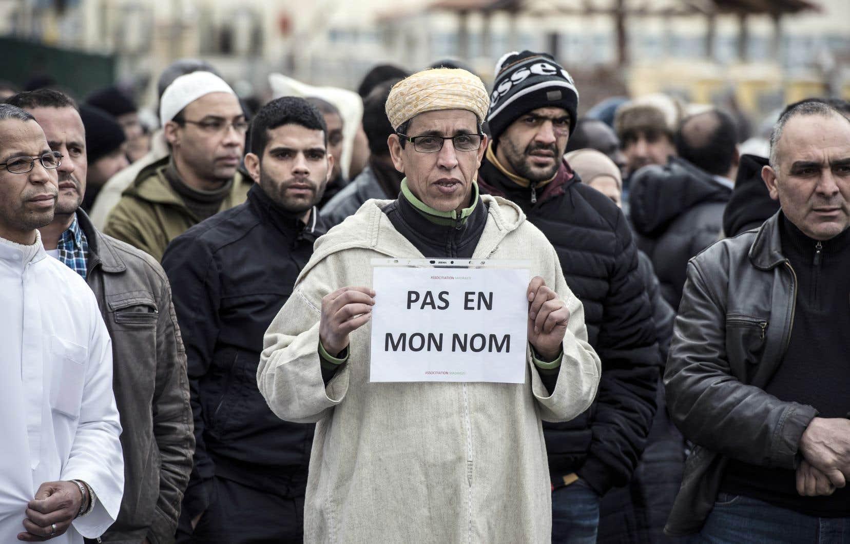 Selon l'auteur, il est fort probable qu'en occultant la réalité de l'islamisme, en refusant d'en discuter, on alimente la haine, les ressentiments qu'on prétend combattre. Et les victimes, comme toujours, seront les personnes innocentes, à commencer par la majorité des musulmans qui ne partagent pourtant pas cette vision extrémiste de l'islam.