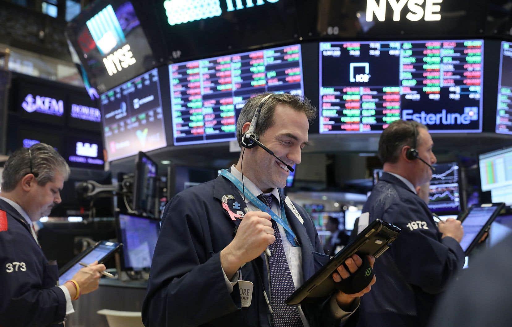 Wall Street a progressé mardi de 0,19%, à 15363,93.