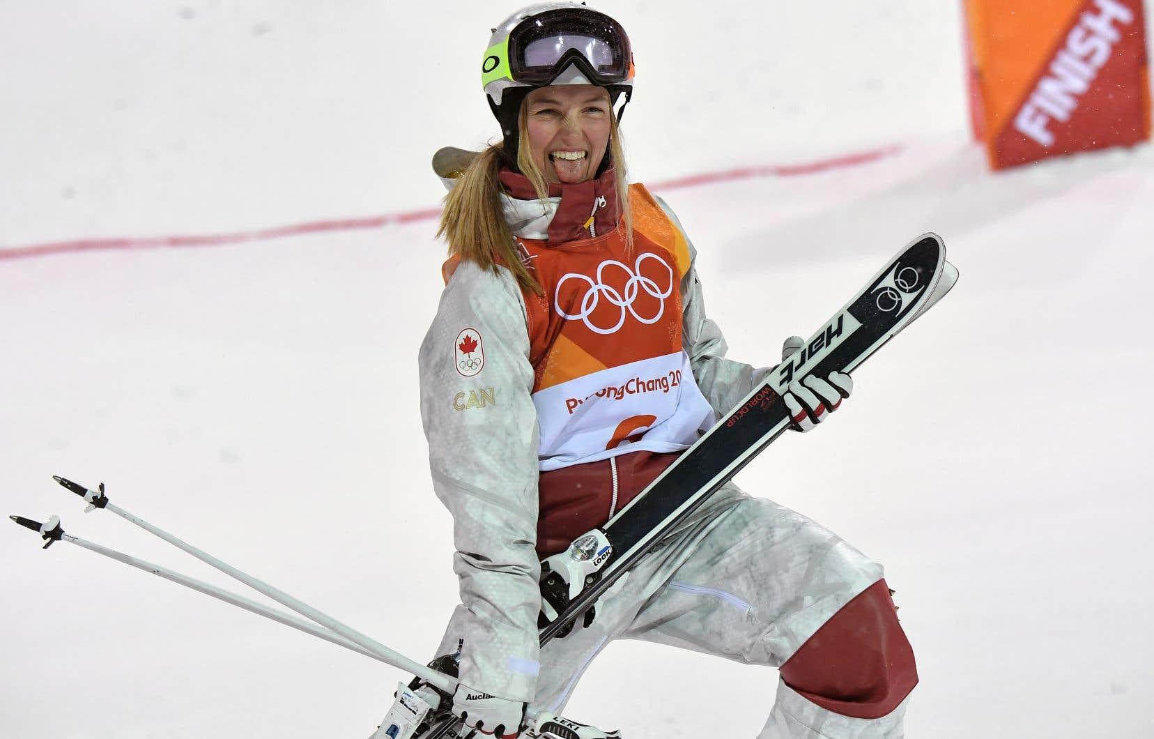 La skieuse acrobatique Justine Dufour-Lapointe a remporté la médaille d'argent à Pyeongchang dimanche.