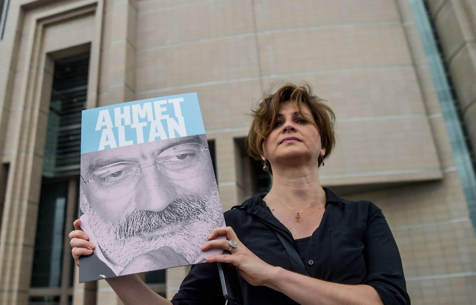 Depuis le putsch avorté en 2016 les autorités turques traquent sans relâche ceux qu'elles soupçonnent d'être des partisans du prédicateur Fethullah Gülen qu'Ankara accuse d'être derrière le coup de force