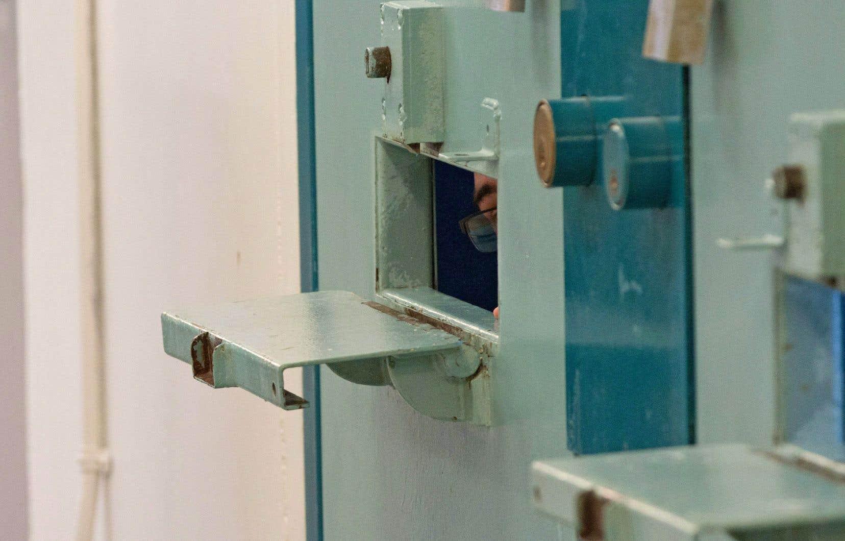 Un juge avait conclu en janvier que l'isolement cellulaire indéfini peut causer de graves séquelles psychologiques chez les détenus.
