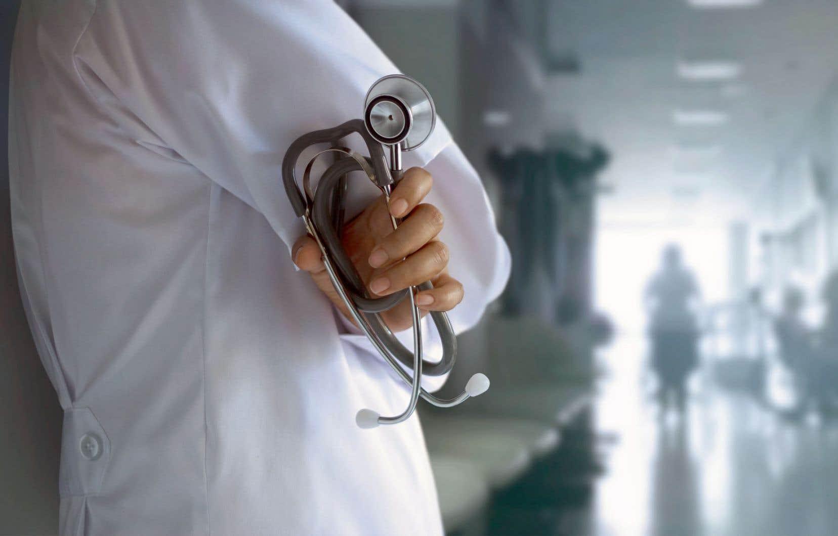 «J'avais compris que le système de santé était malade et que nous y mettions trop d'argent au détriment d'autres secteurs», écrit l'auteur.