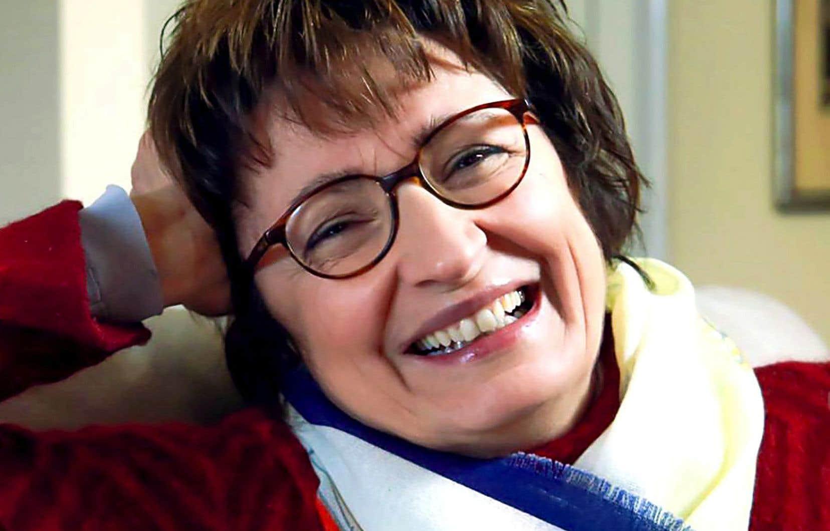Donatella Di Pietrantonio habite l'Italie, où elle est dentiste pour enfants.
