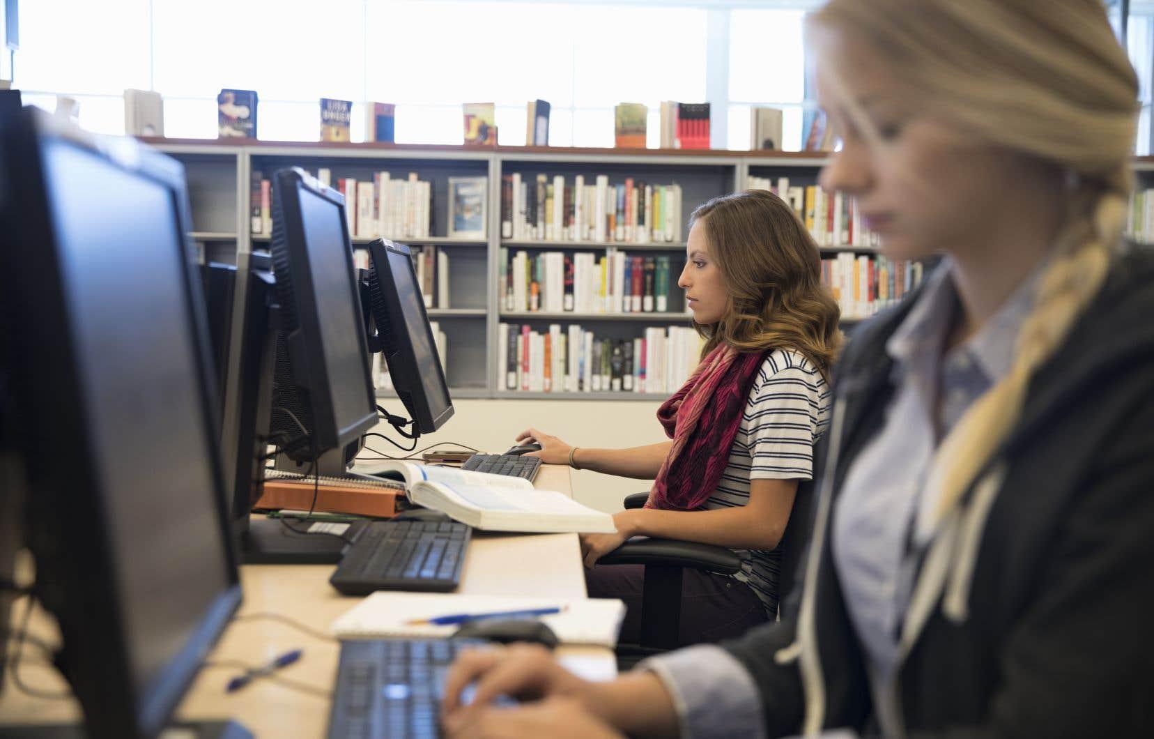 Le géant Amazon fournit gratuitement des milliers d'images de livres aux bibliothèques qui utilisent le logiciel Koha, à la condition que celles-ci redirigent automatiquement les lecteurs vers son site Web de vente de livres.