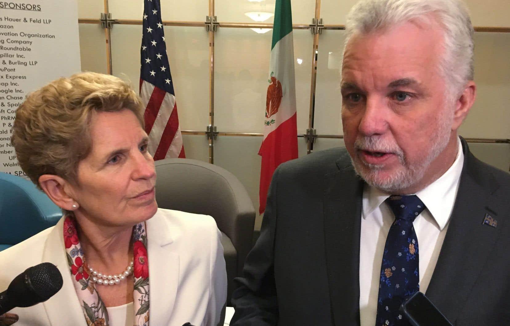 Philippe Couillard et la première ministre ontarienne, Kathleen Wynne, étaient à Washington vendredi pour rencontrer les gouverneurs de plusieurs États américains.