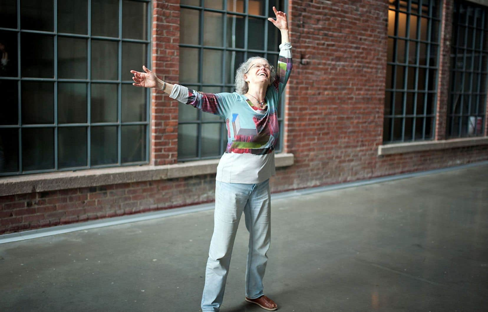 La commissaire Dena Davida dans l'édifice Wilder Espace Danse, où Tangente a ses locaux tout neufs