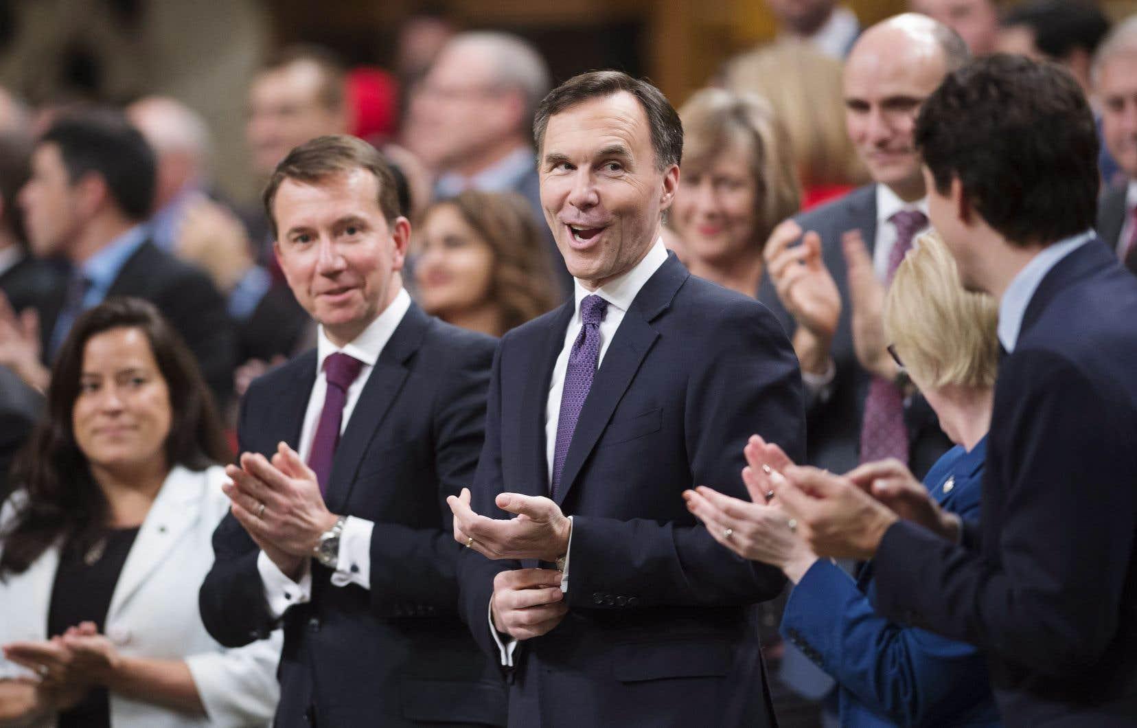 «Il est nécessaire d'avoir la possibilité pour une PME de faire des investissements», a dit le ministre Bill Morneau. Toutefois, Ottawa estime mal avisé de permettre «la possibilité de détenir une société privée juste pour épargner beaucoup plus d'argent».