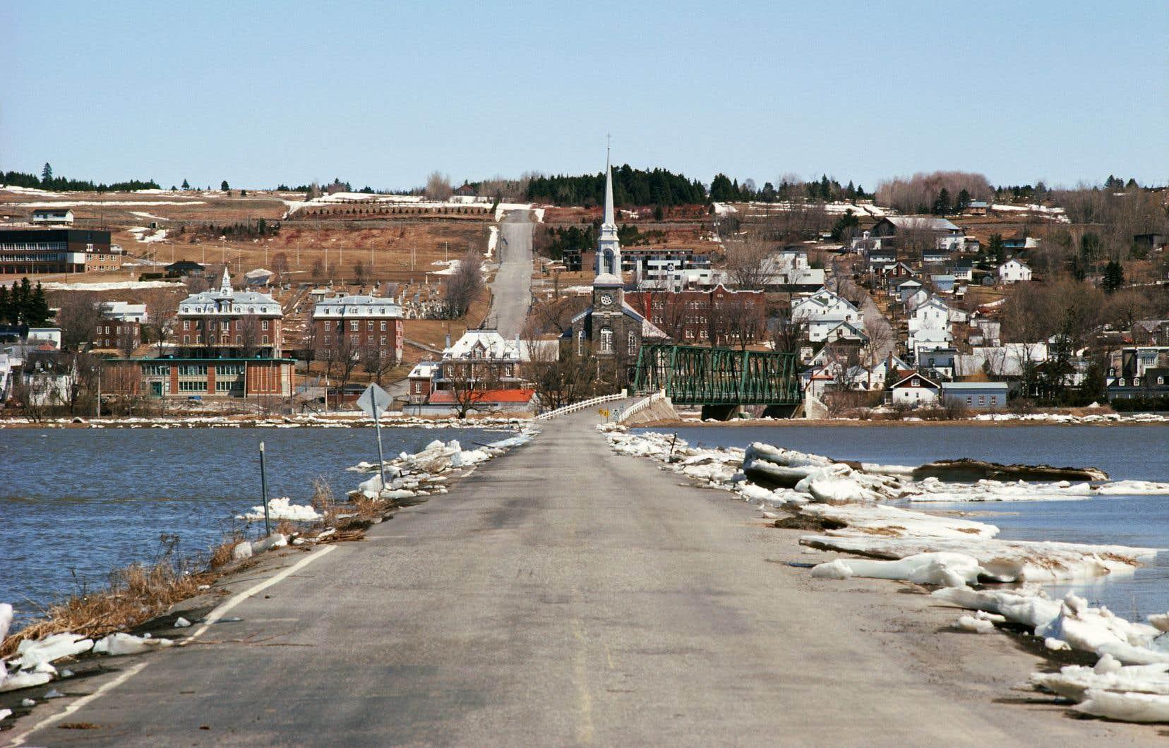 «Il y a très peu de mesures pour les municipalités dans le budget, particulièrement en infrastructures», a déclaré la Fédération québécoise des municipalités (FQM).