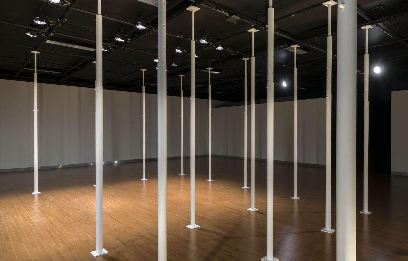 L'installation «Échafaudages», de Chloé Desjardins, est à la fois œuvre et support, spectaculaire et anodine.