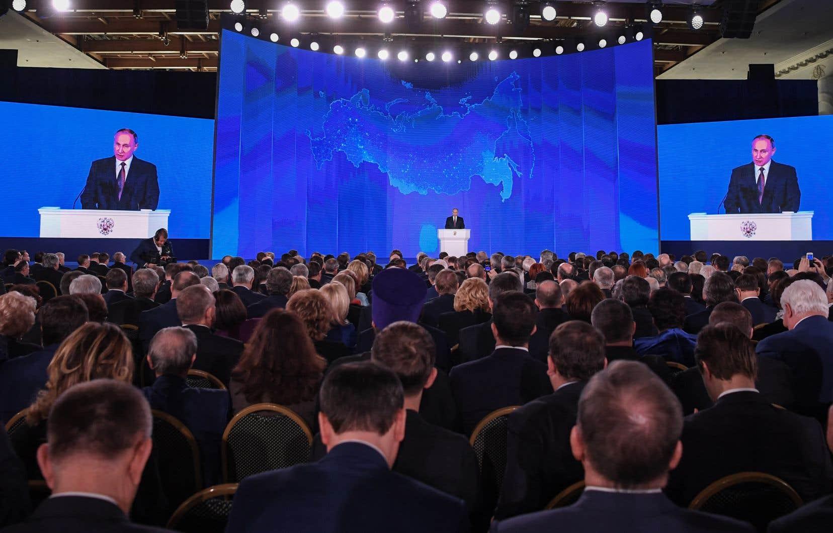 Selon le président de la Russie, Vladimir Poutine, l'arsenal renouvelé et modernisé doit répondre à l'activité militaire des États-Unis.