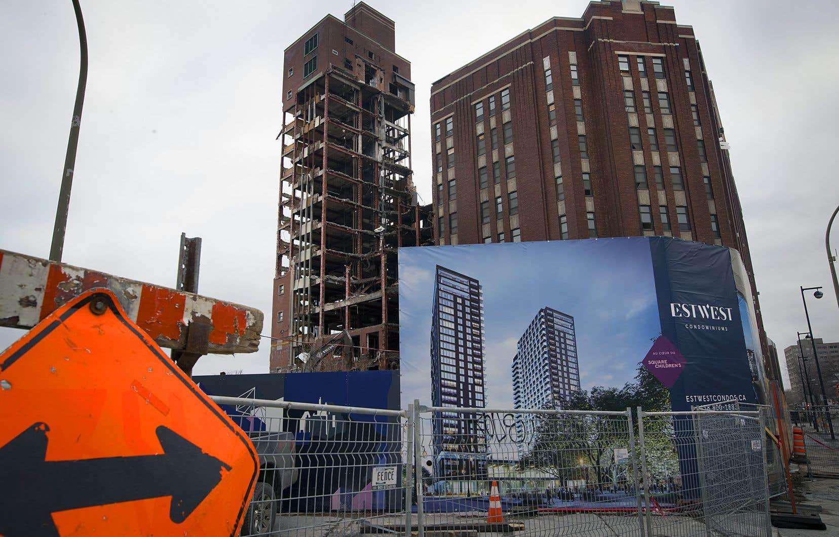 Le promoteur Devimco prévoit de construire des tours d'habitation de 20 à 32 étages sur le site de l'ancien Hôpital de Montréal pour enfants.