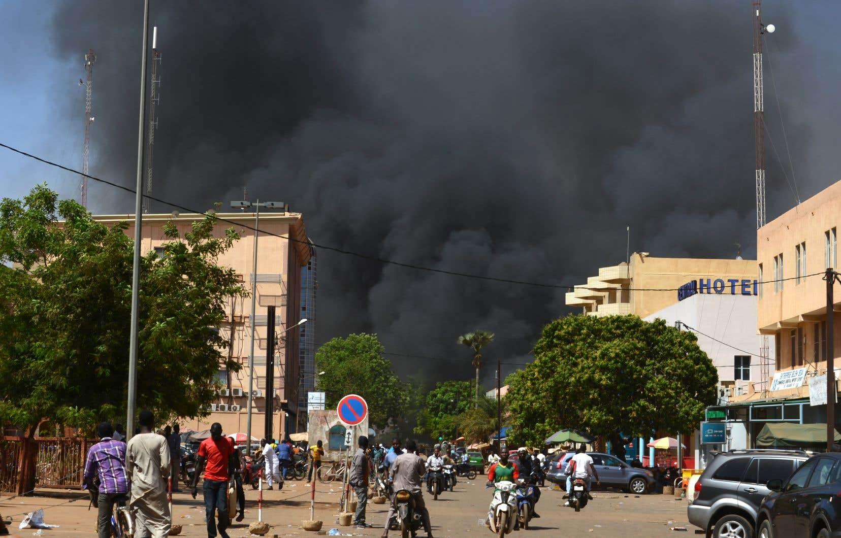 Ouagadougou: une trentaine de morts dans l'attaque contre l'état-major des armées