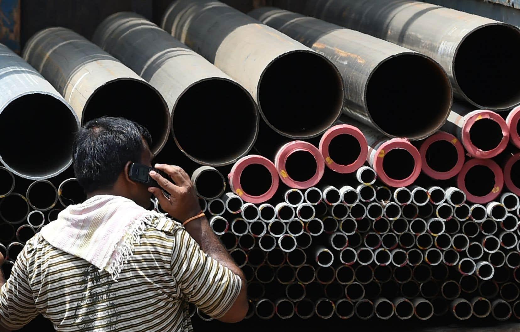 <p>Le président américain a annoncé des tarifs douaniers de 25% pour l'acier et de 10% pour l'aluminium jeudi.</p>