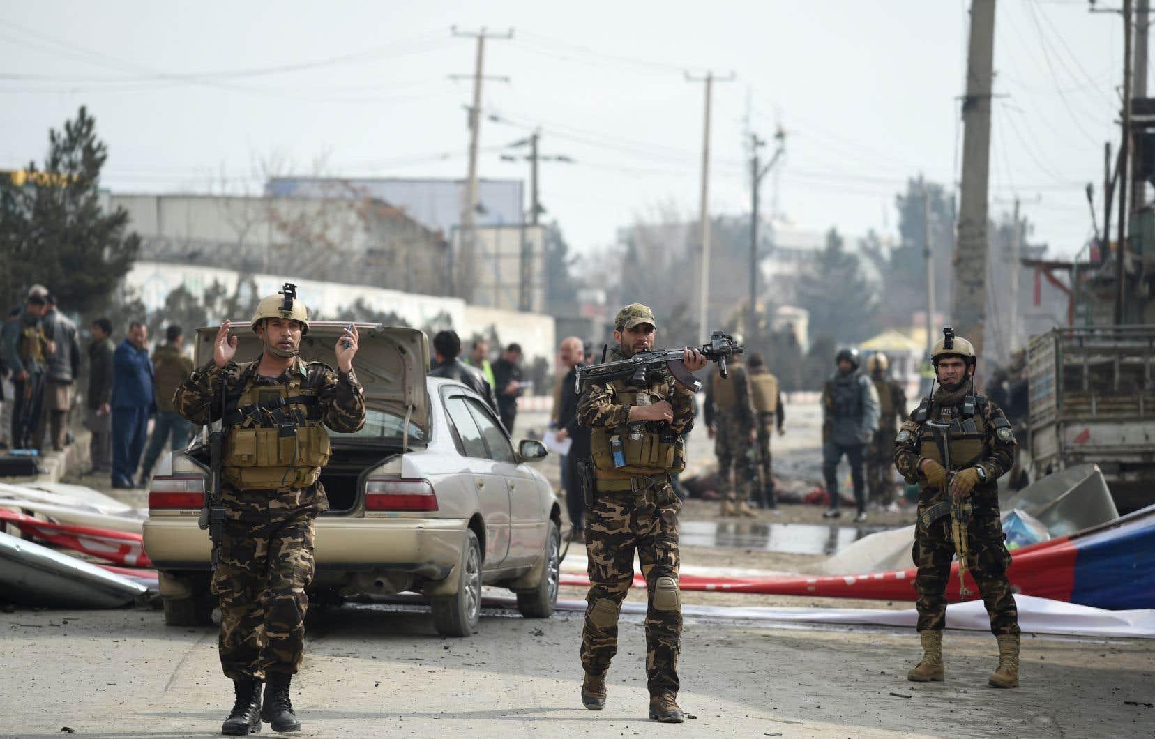 Il s'agit du premier incident violent enregistré dans Kaboul et visant des étrangers depuis l'offre de paix faite mercredi aux talibans par le président afghan.