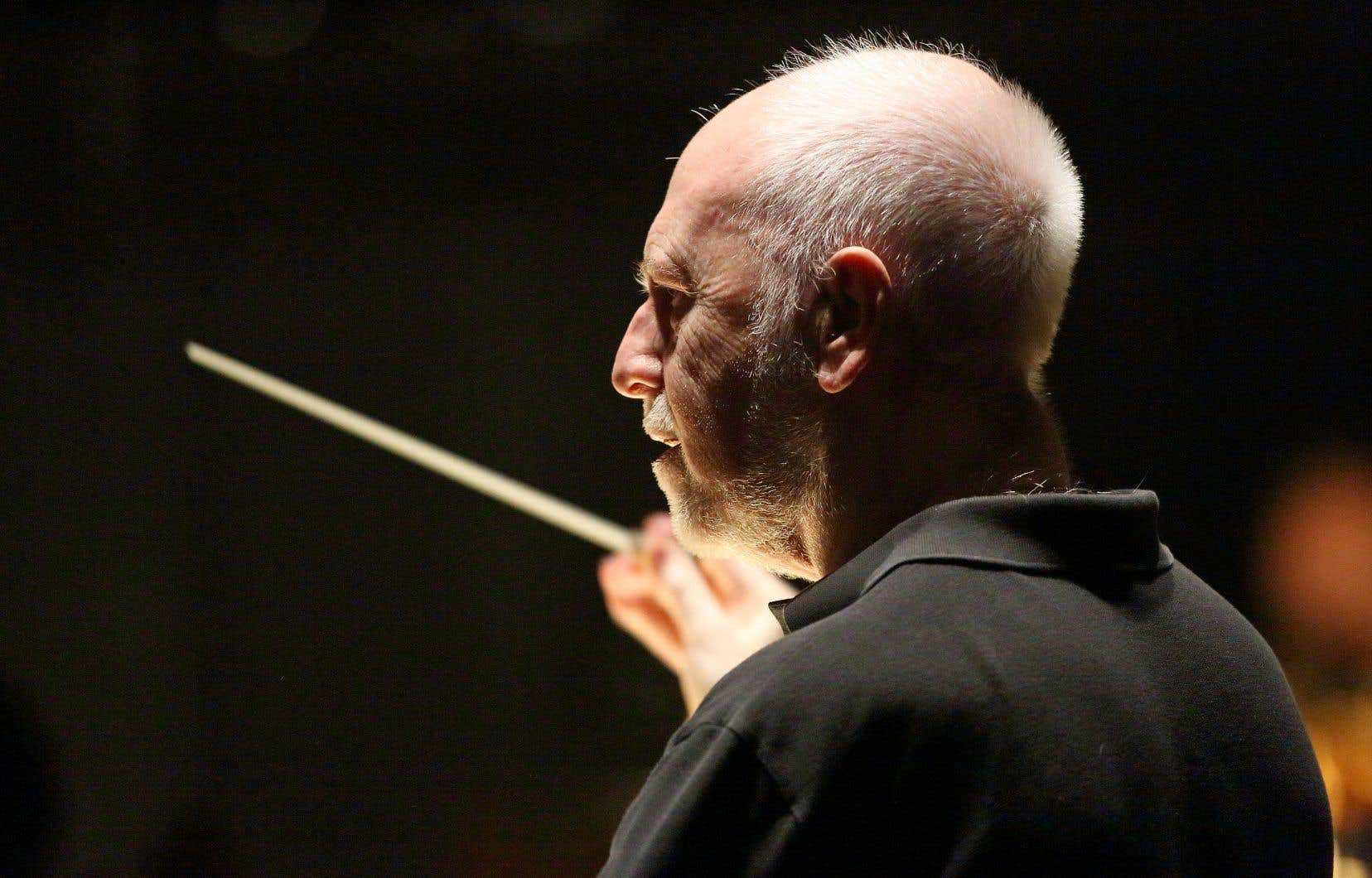Le chef d'orchestre Jesus Lopez Cobos
