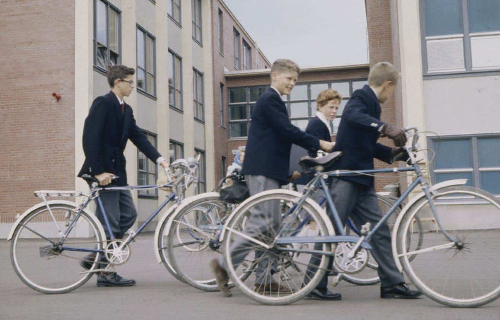 Dans les années 1940-1950, les Québécois de13 à 19ans étaient les plus nombreux à faire du vélo sur l'île de Montréal.