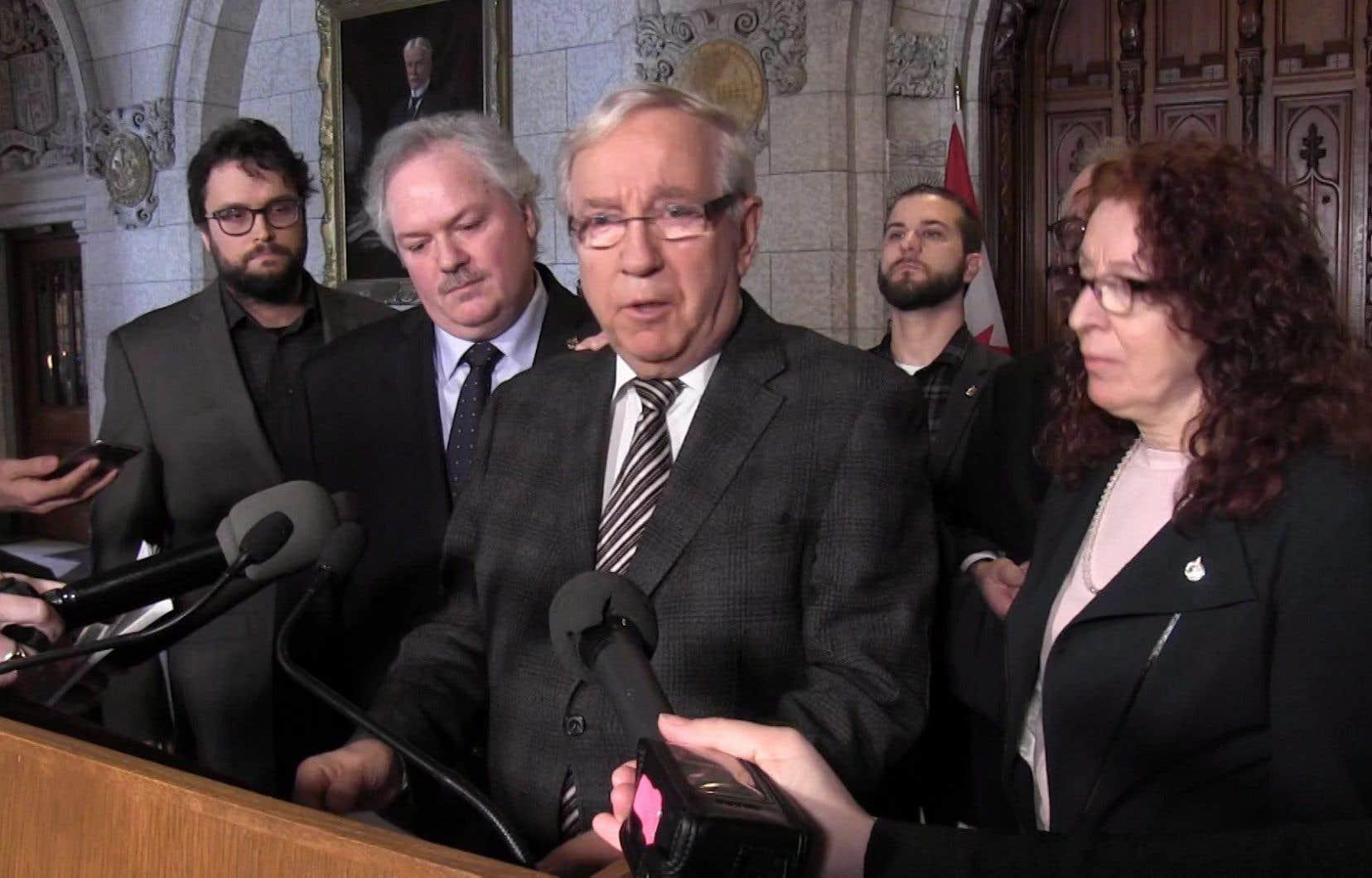 Les sept députés démissionnaires n'ont plus accès aux listes de membres par l'entremise de leur association de circonscription depuis qu'ils ont quitté le caucus du Bloc québécois mercredi.