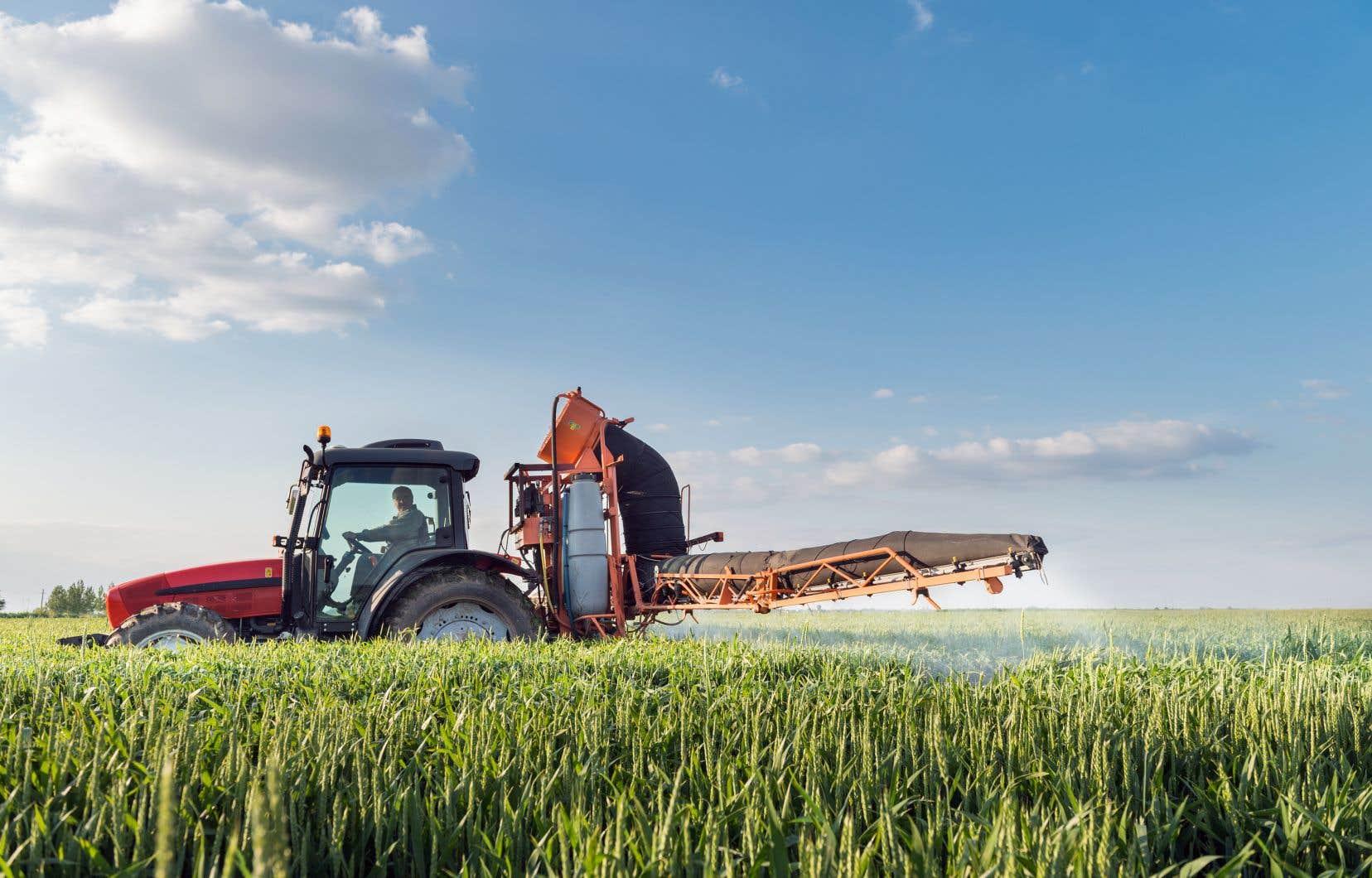 Les agronomes sont tous égaux en ce qui a trait à leur formation et à leur compétence, estime l'auteur, mais pas lorsqu'il est question de leurs intérêts.