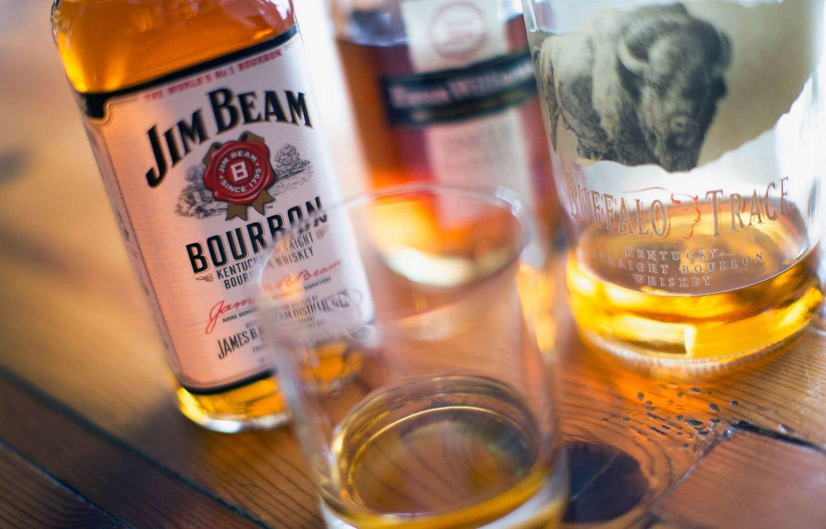 Des produits américains, comme le bourbon, pourraient être taxés afin de compenser en valeur le dommage causé à l'industrie européenne.