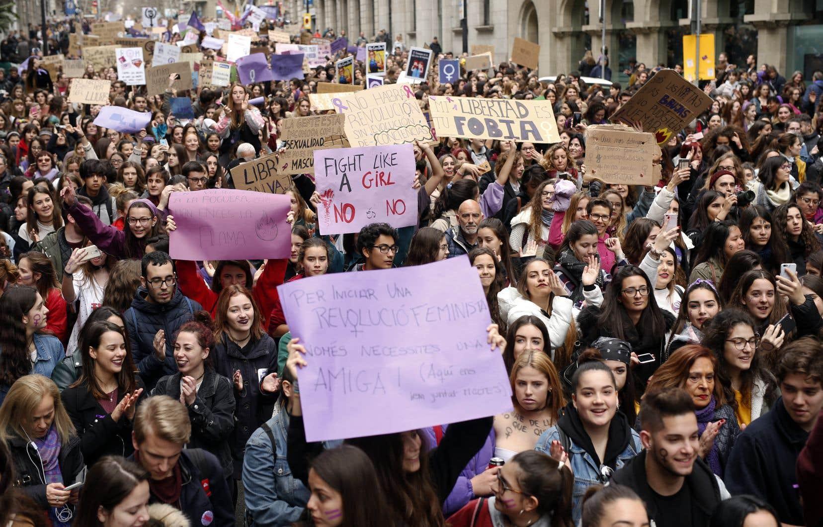 L'Espagne s'est mobilisée pour les droits des femmes jeudi, avec une grève générale «féministe» sans précédent dans le pays.