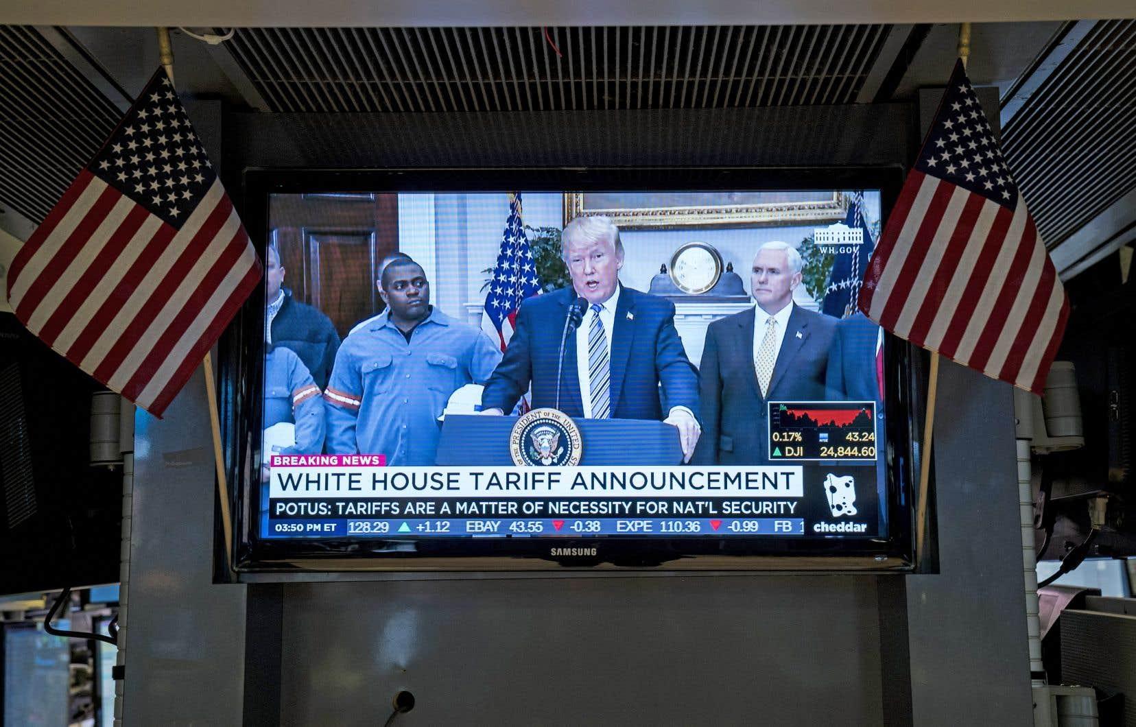 «En raison de la nature unique de notre relation avec le Canada et le Mexique […], nous n'allons pas imposer de tarifs à ces deux pays», a affirmé le président américain, Donald Trump.