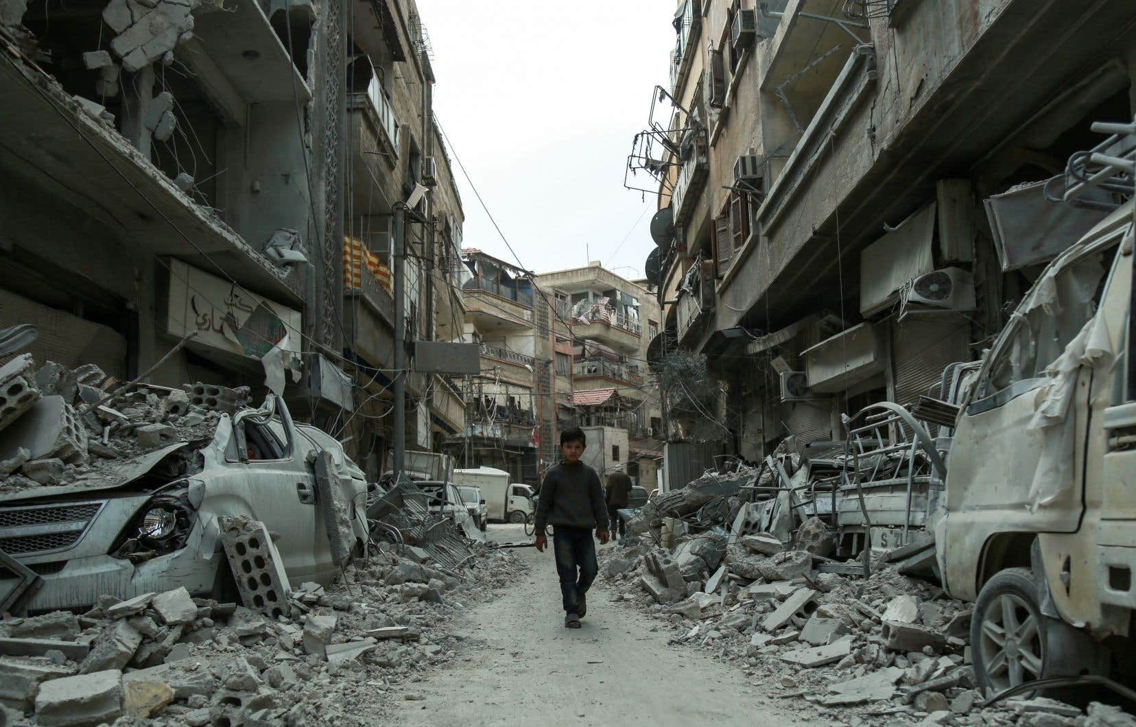 Selon l'OSDH, plus de 900 civils ont été tués depuis le début de l'offensive du régime.