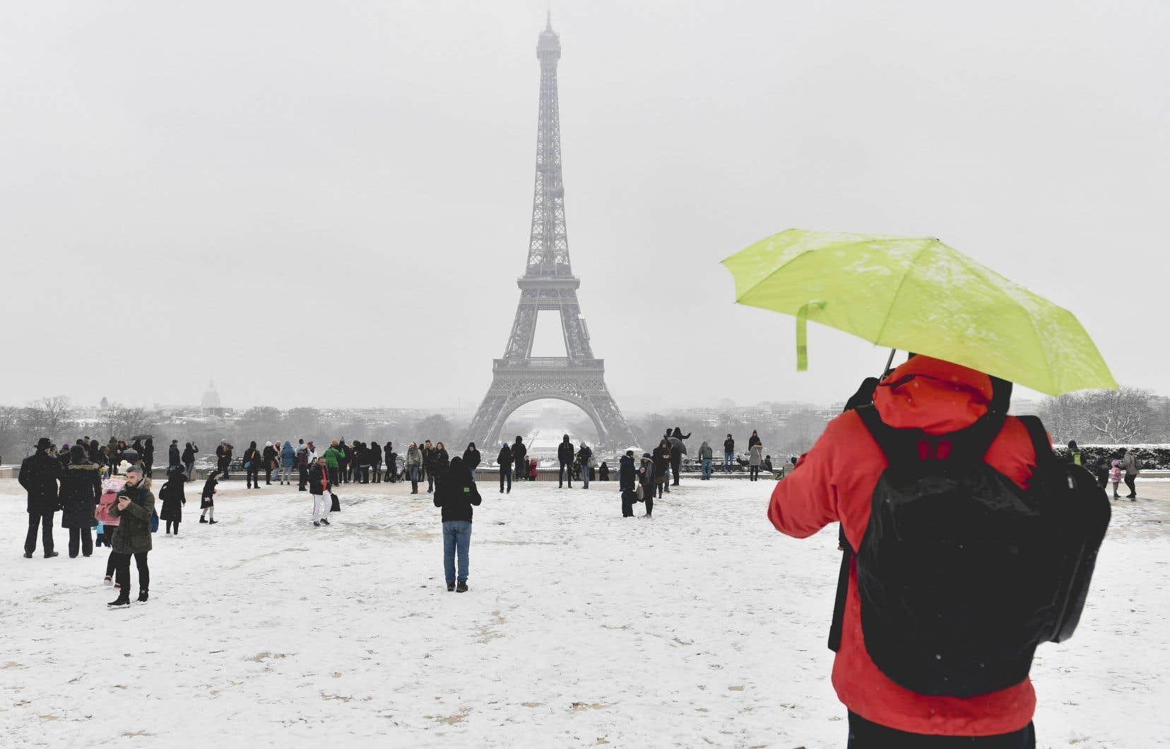 L'Institut de recherche de Potsdam sur les effets du changement climatique présume que la vague de froid que connaît aujourd'hui l'Europe résulte du réchauffement néfaste de l'Arctique, donnant raison à l'écosocialiste Ian Angus.