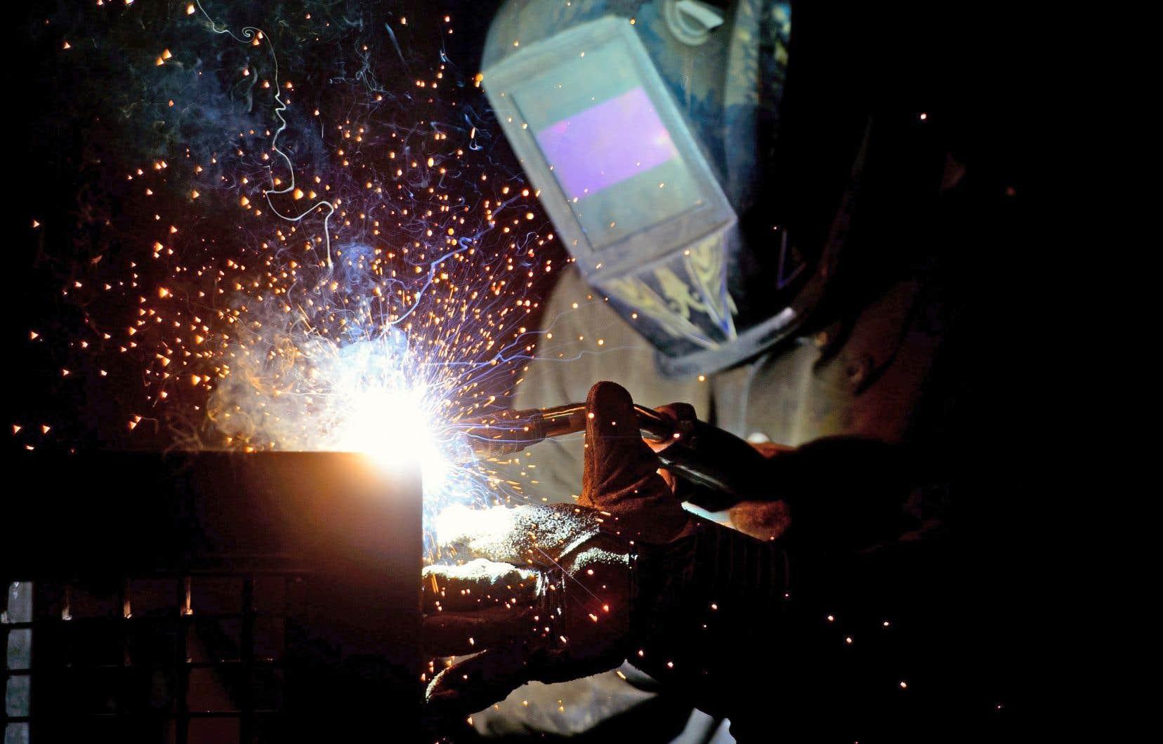 Après une forte progression, l'économie canadienne n'a créé que 15000 emplois le mois dernier.