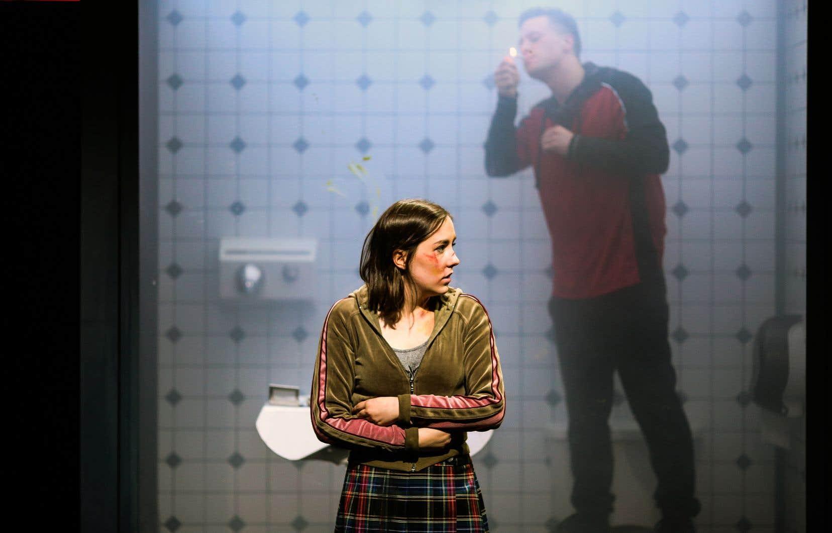 Les comédiens Zoé Girard-Asselin et Guillaume Gauthier dans la pièce «Hamster»