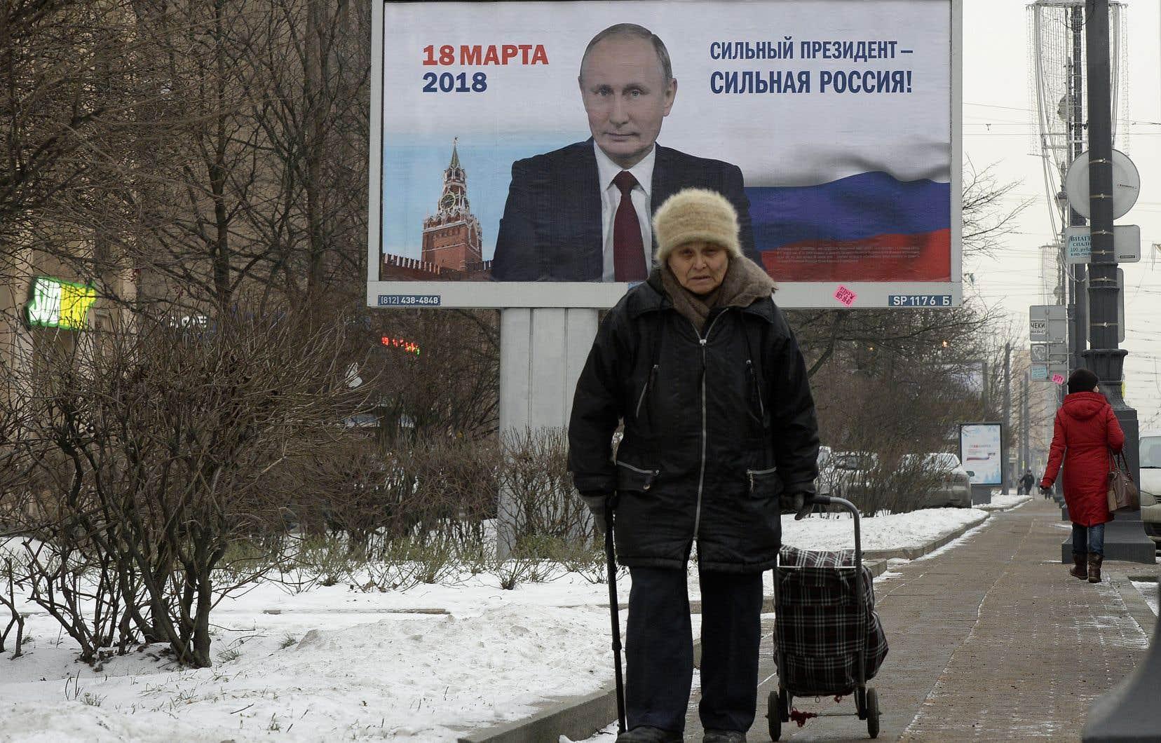 La situation économique est particulièrement critique en province où, loin de la vitrine rutilante que constitue Moscou, salaires et retraites permettent à peine de subsister.