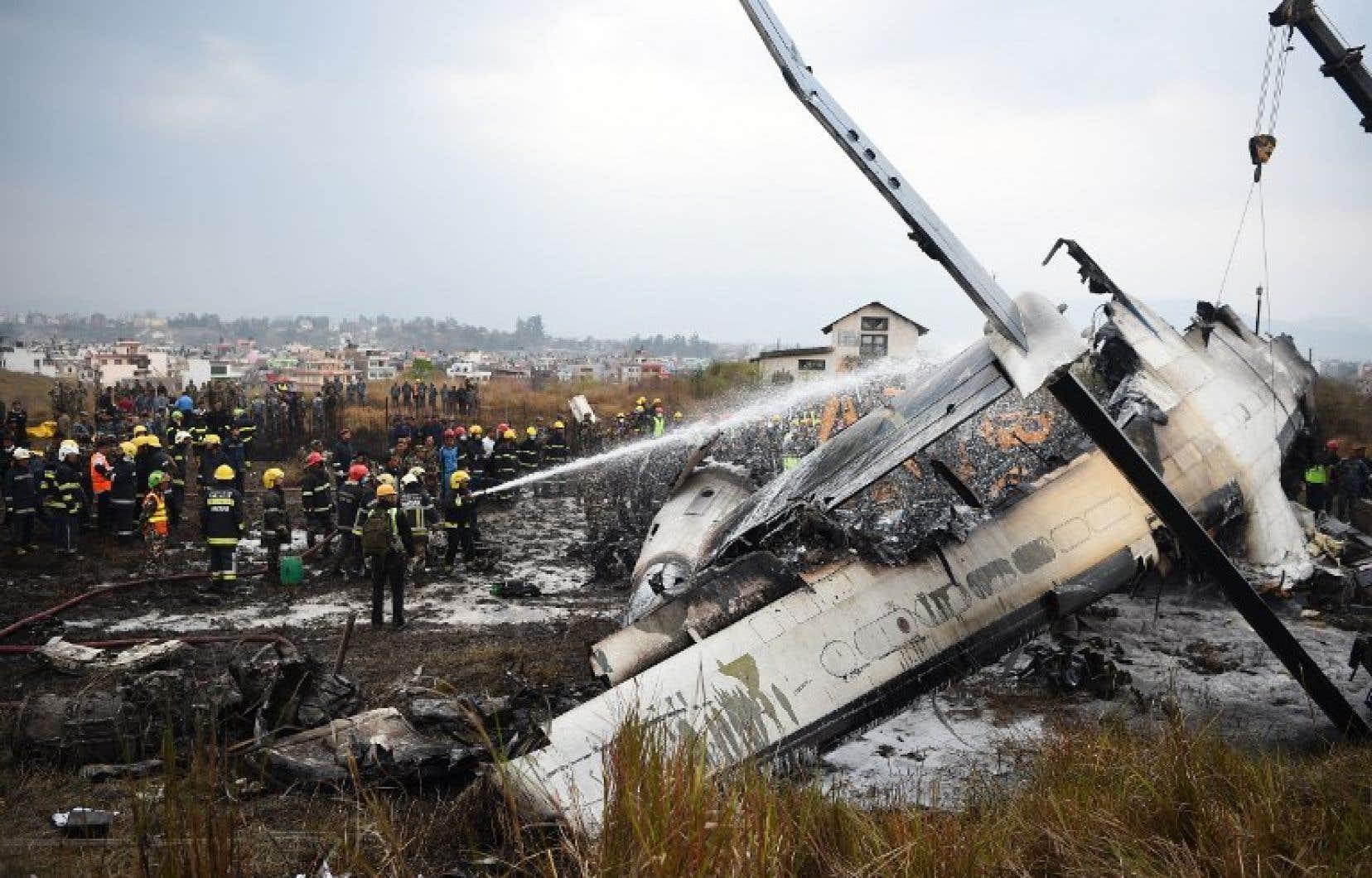 Quarante-neuf personnes ont été tuées et 22 blessées dans le crash d'un Bombardier Dash 8 Q400.