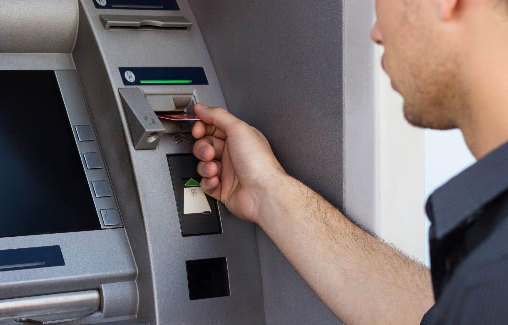 Les cartes de crédit et la fraude ont généré une partie des plaintes dans le secteur des produits et services bancaires.