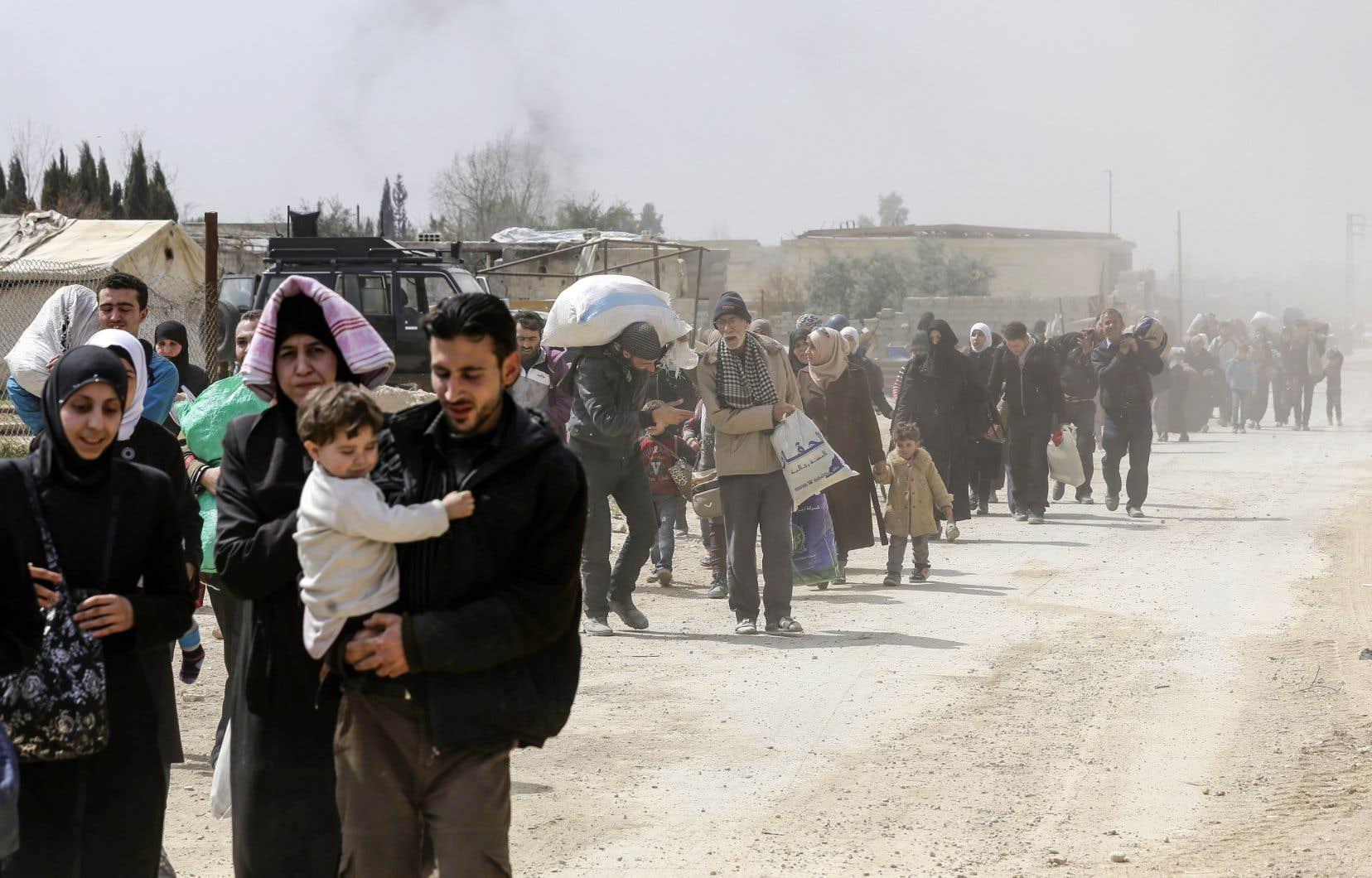 Des familles syriennes épuisées et affamées ont laissé derrière elles des proches et des maisons.