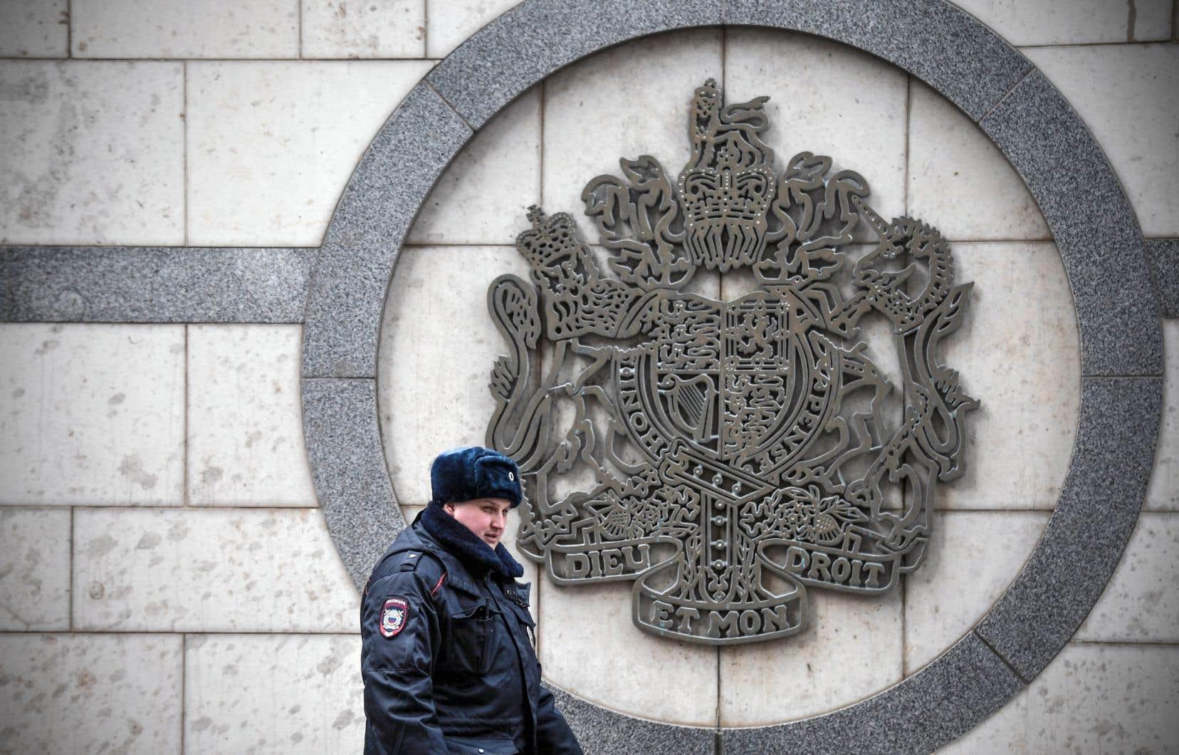 Avec ces expulsions, une nouvelle étape est franchie dans la crise entre la Russie et la Grande-Bretagne.