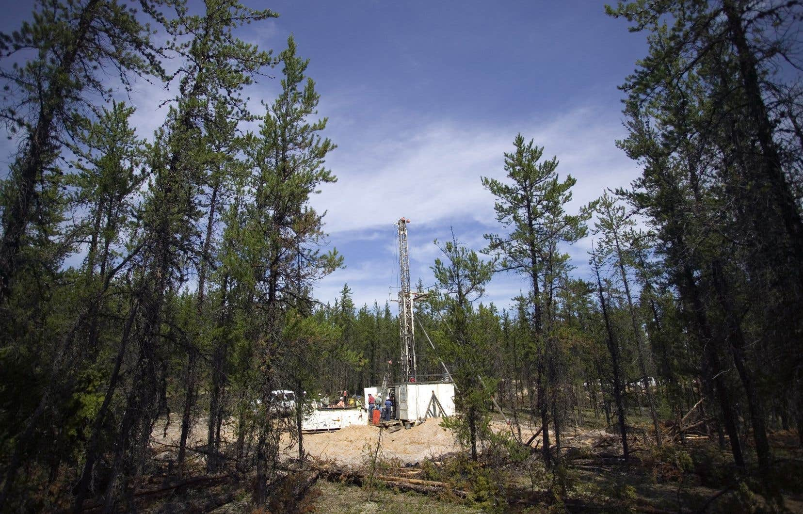 Selon les plus récentes données officielles, il existe plus de 300 permis d'exploration pétrolière et gazière en vigueur au Québec.