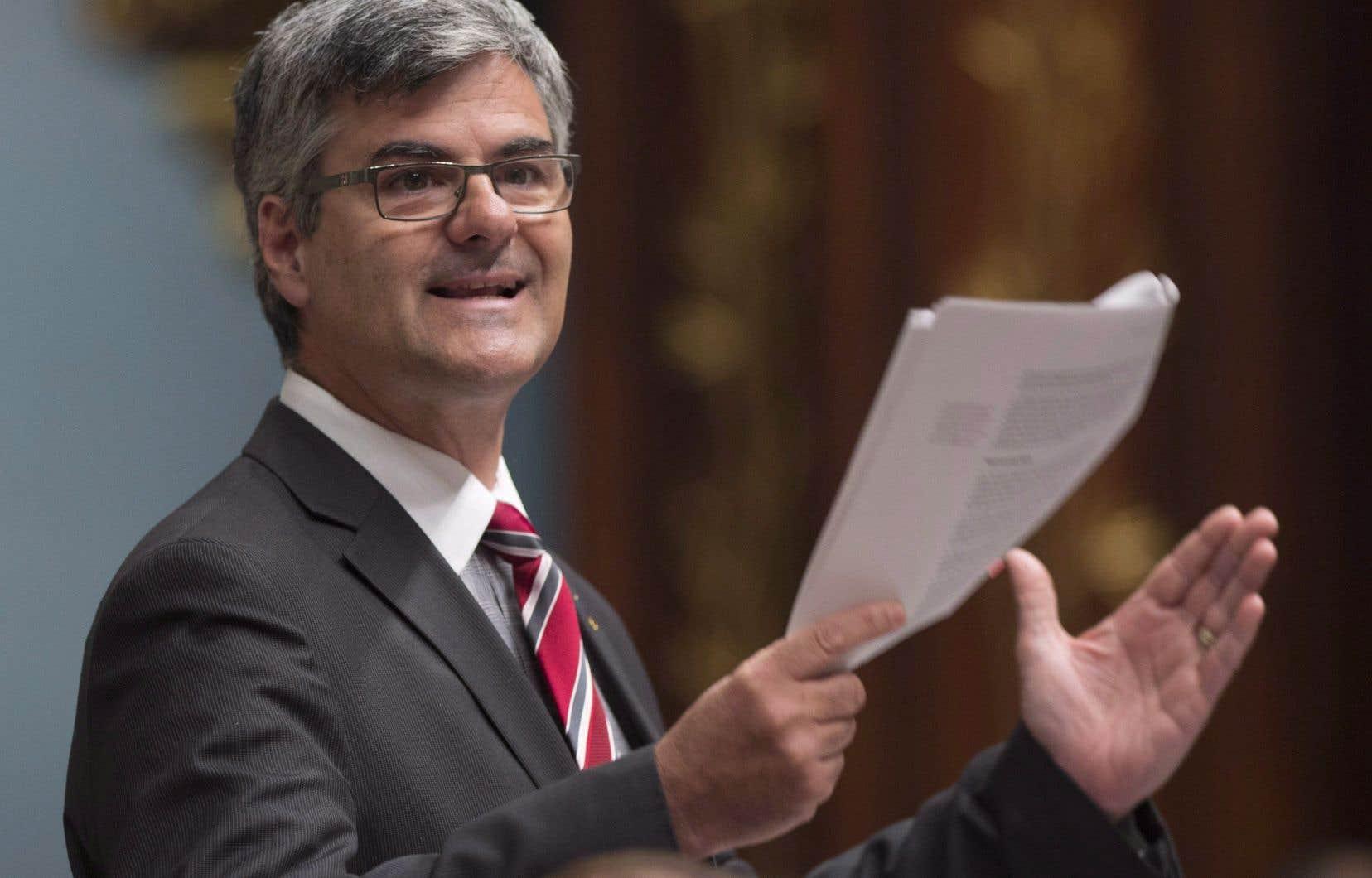 Le député Éric Caire a dû reconnaître lundi que la dernière analyse portant spécifiquement sur la congestion dans la région de Québec remontait à près de 20 ans.