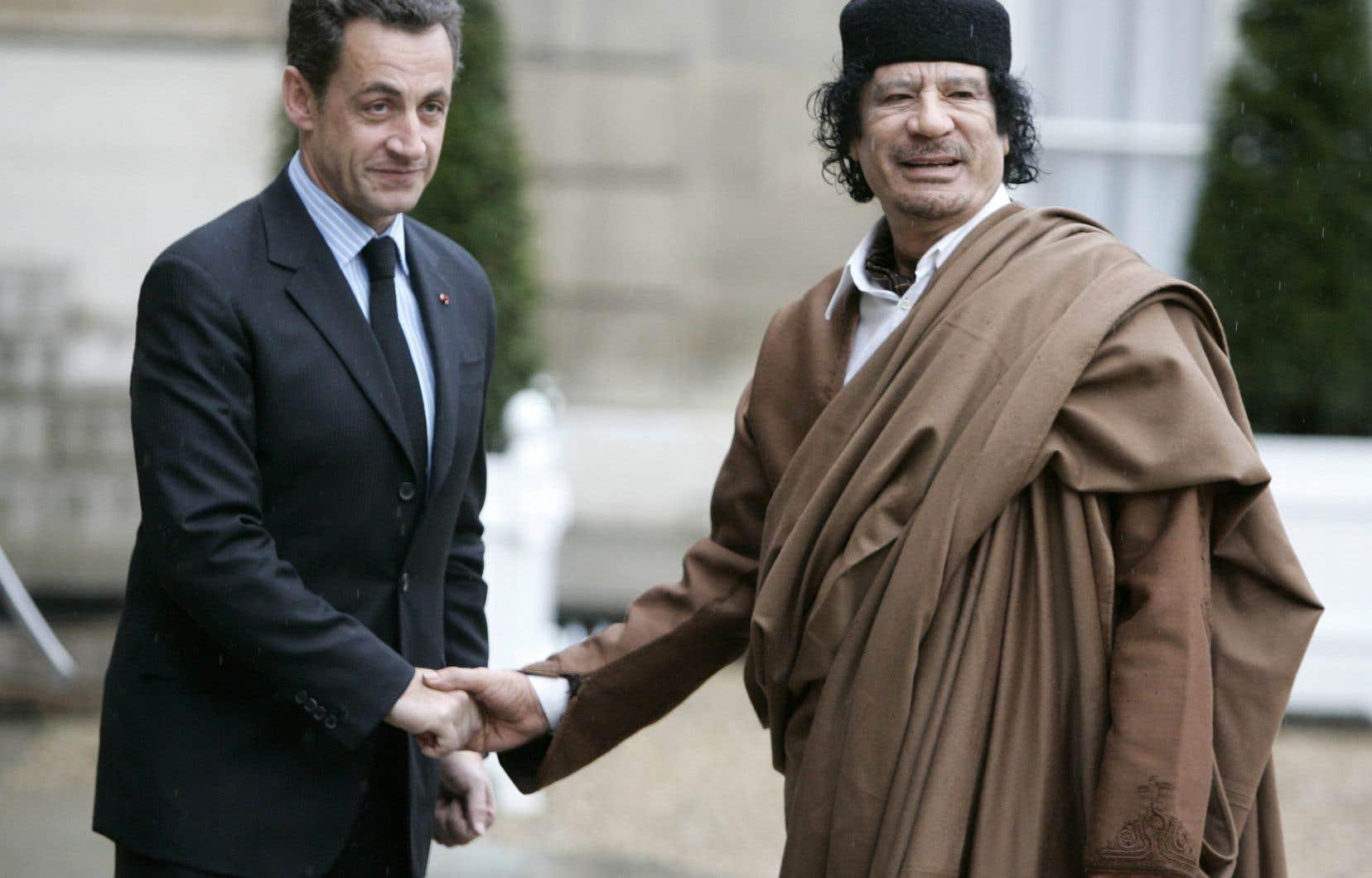 Les juges s'intéressent à des flux financiers impliquant des protagonistes liés au régime de l'ancien dictateur libyen Mouammar Kadhafi.