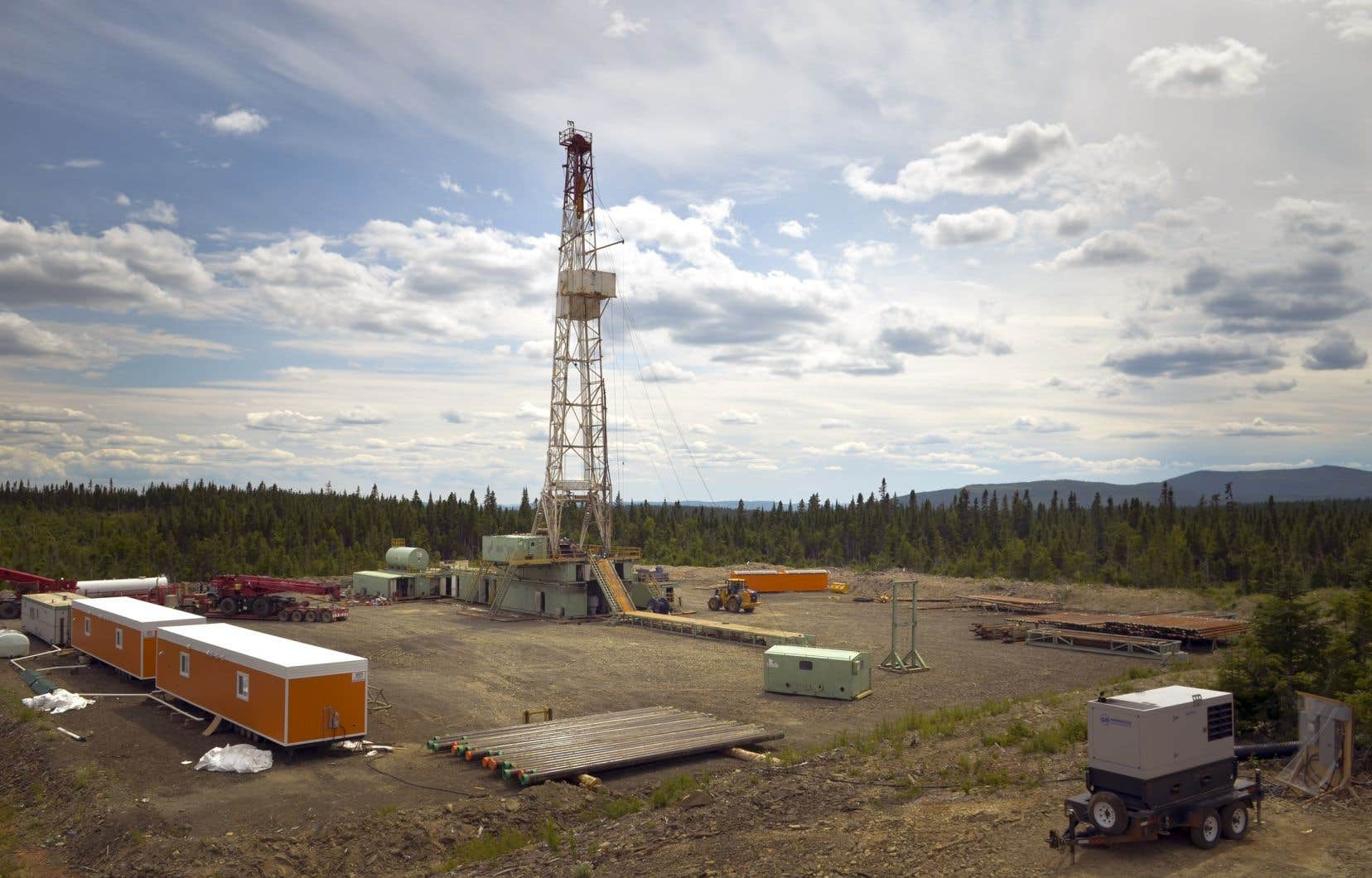 À cela s'ajoutent des investissements à différents projets liés aux hydrocarbures, dont le projet de développement pétrolier de Pétrolia.