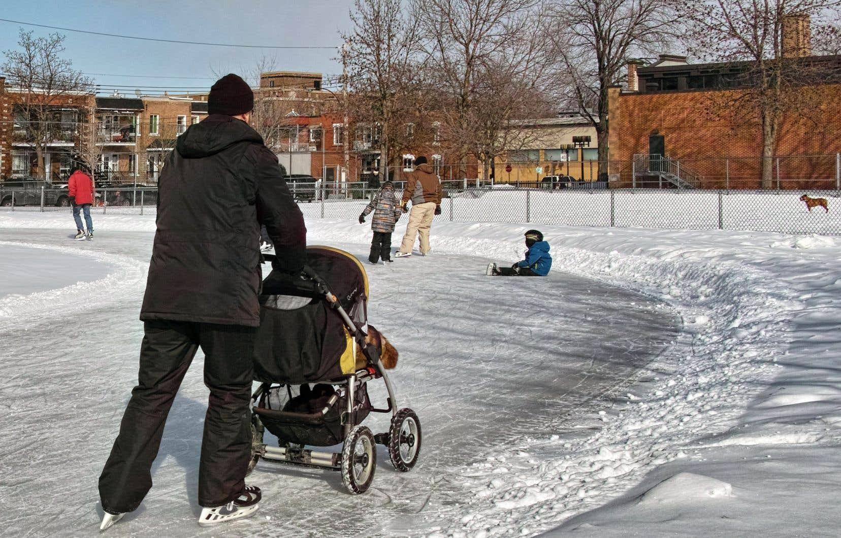 <p>Les parents québécois pourront désormais étendre leurs congés parentaux sur une période de deux ans.</p>