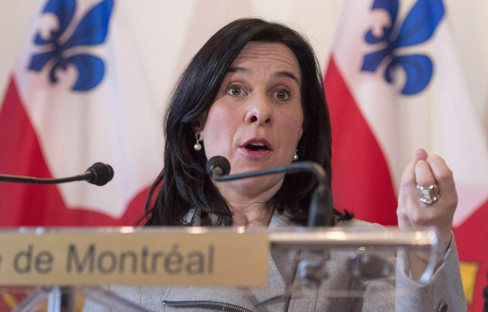 Valérie Plante promet qu'un plan d'action sera élaboré sous peu pour mieux protéger les sans-papiers.