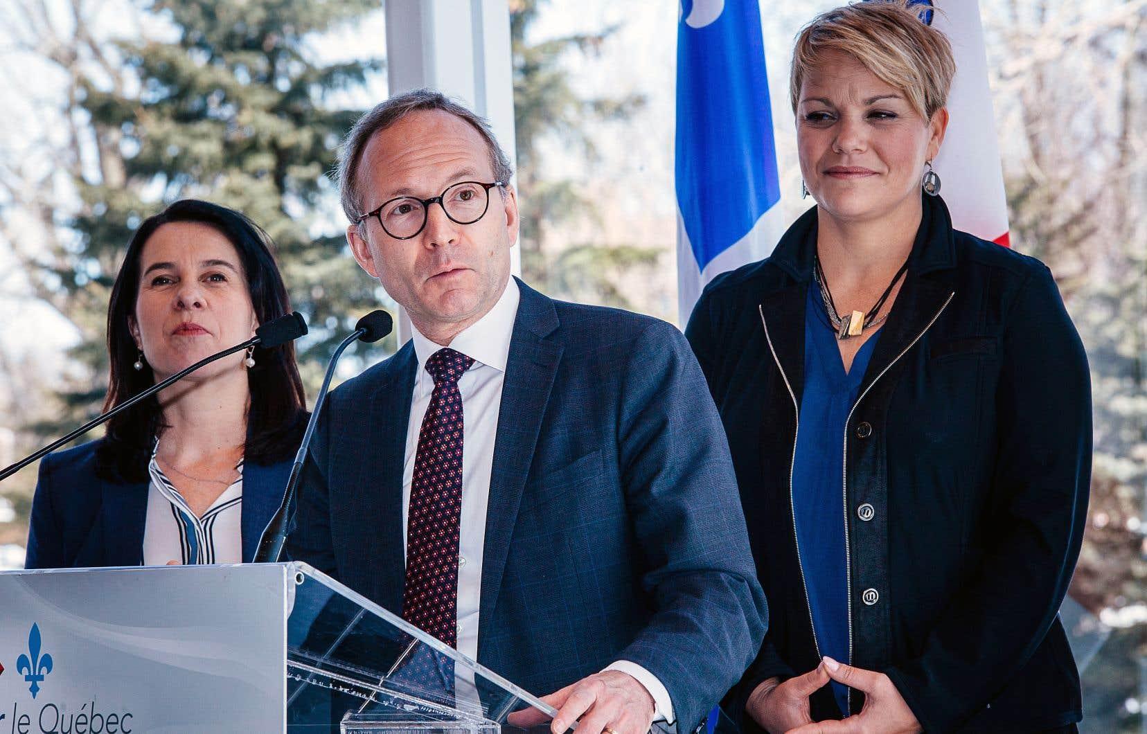 La mairesse Valérie Plante et les ministres Martin Coiteux et Isabelle Melançon ont piloté l'annonce de dimanche.