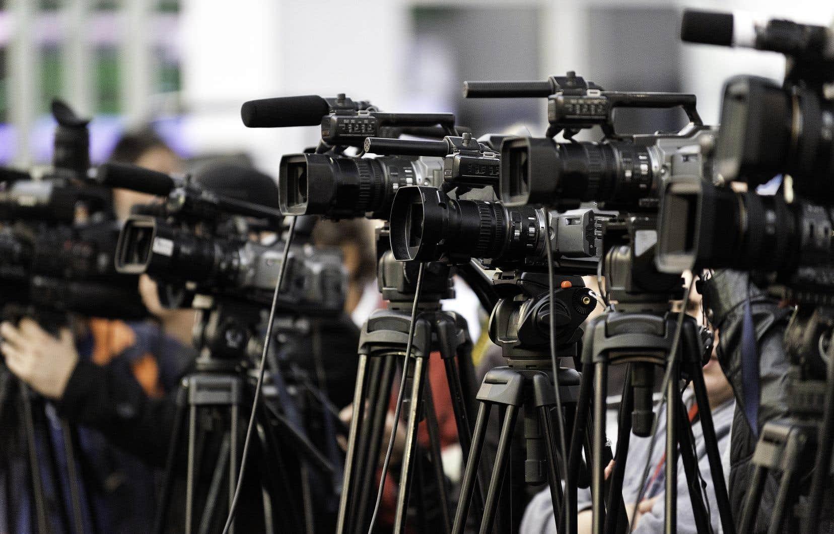 Plus de 50% des Québécois estiment que les organisations médiatiques s'inquiètent davantage de leur lectorat ou de leurs cotes d'écoute que de la transmission d'information de qualité.