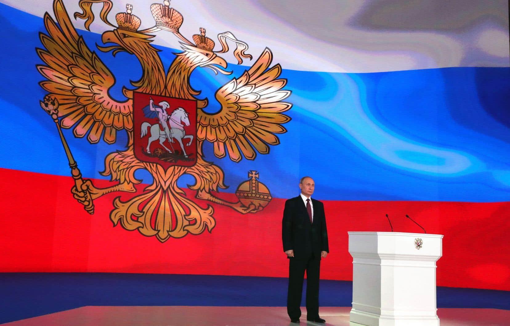 Le président Vladimir Poutine voue un culte au tsar Pierre le Grand.Il souhaite redresser la Russie et lui redonner sa grandeur, souligne l'auteur.