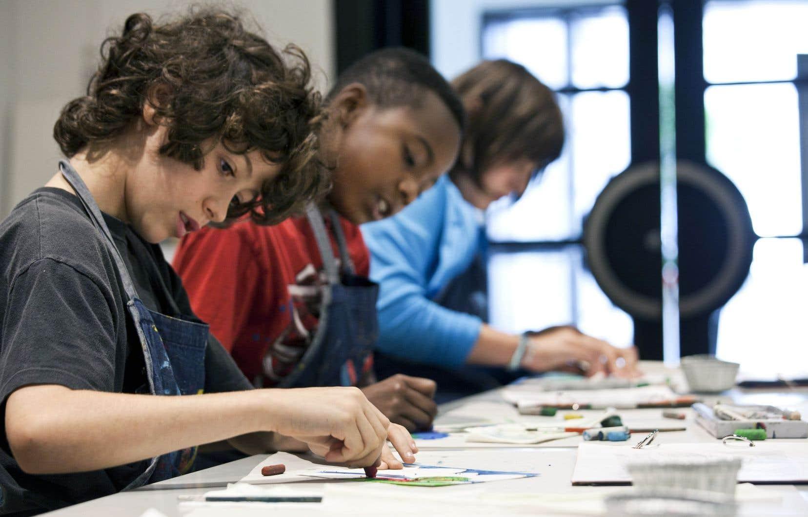Atelier pour les enfants au Musée des beaux-arts de Montréal. Québec consacrera 35millions à l'augmentation des sorties culturelles pour les élèves. Un autre montant de 35millions sera accordé à différentes institutions pour «renforcer leur action auprès des jeunes».