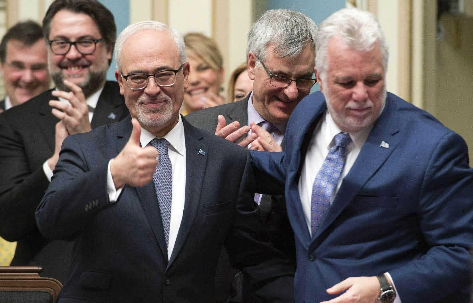 Le ministre des Finances, Carlos Leitão, et le premier ministre, Philippe Couillard