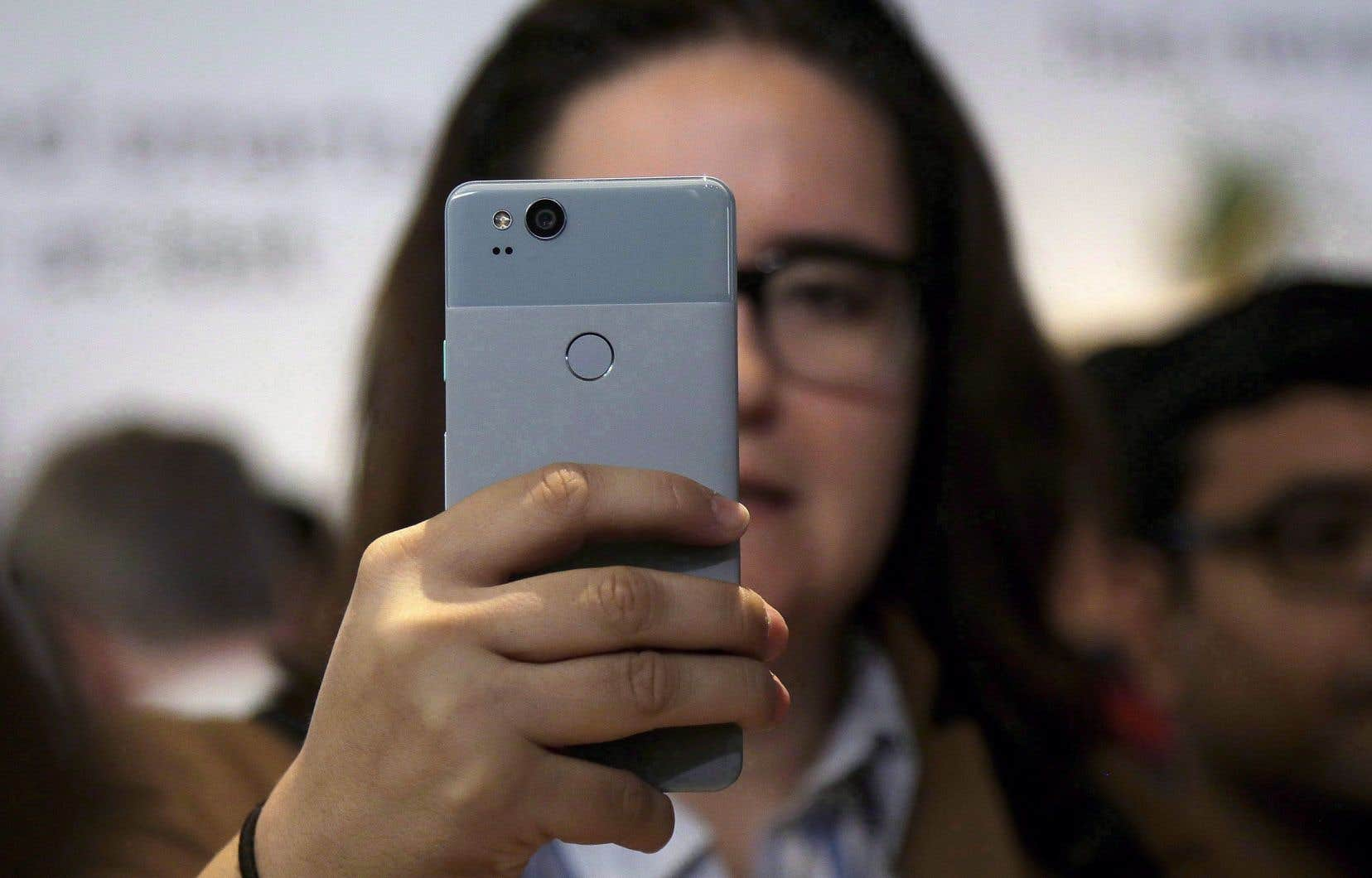 Au Canada, Bell, Rogers et Telus ne se sont pas encore prononcés sur le moment où ils prévoient offrir la technologie 5G à leurs clients.