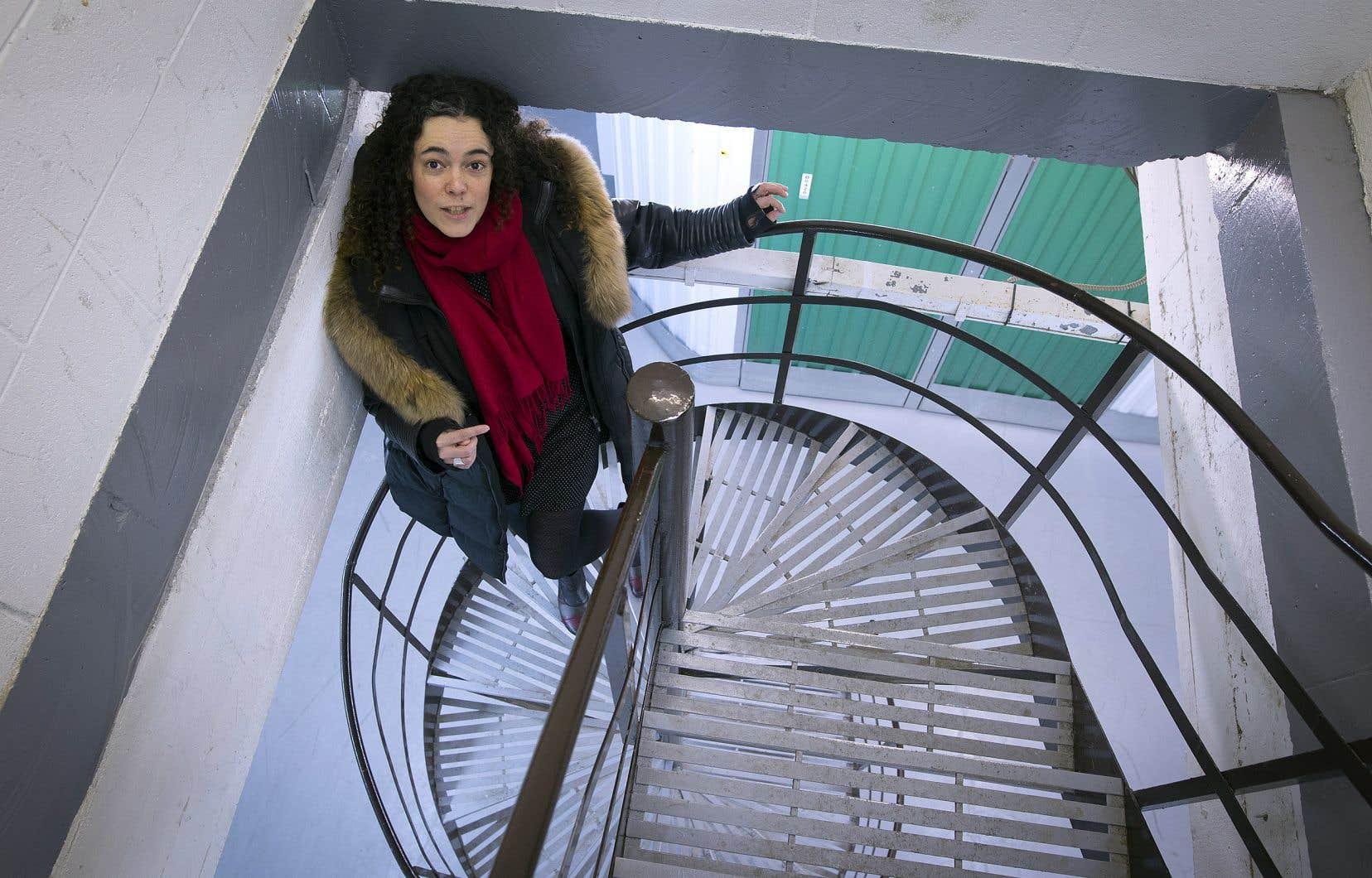 Avec «Local B-1717», Geneviève L. Blais propose une pièce «in situ» explorant l'espace du refoulé, des émotions cachées en soi, dans un entrepôt du Mile Ex.