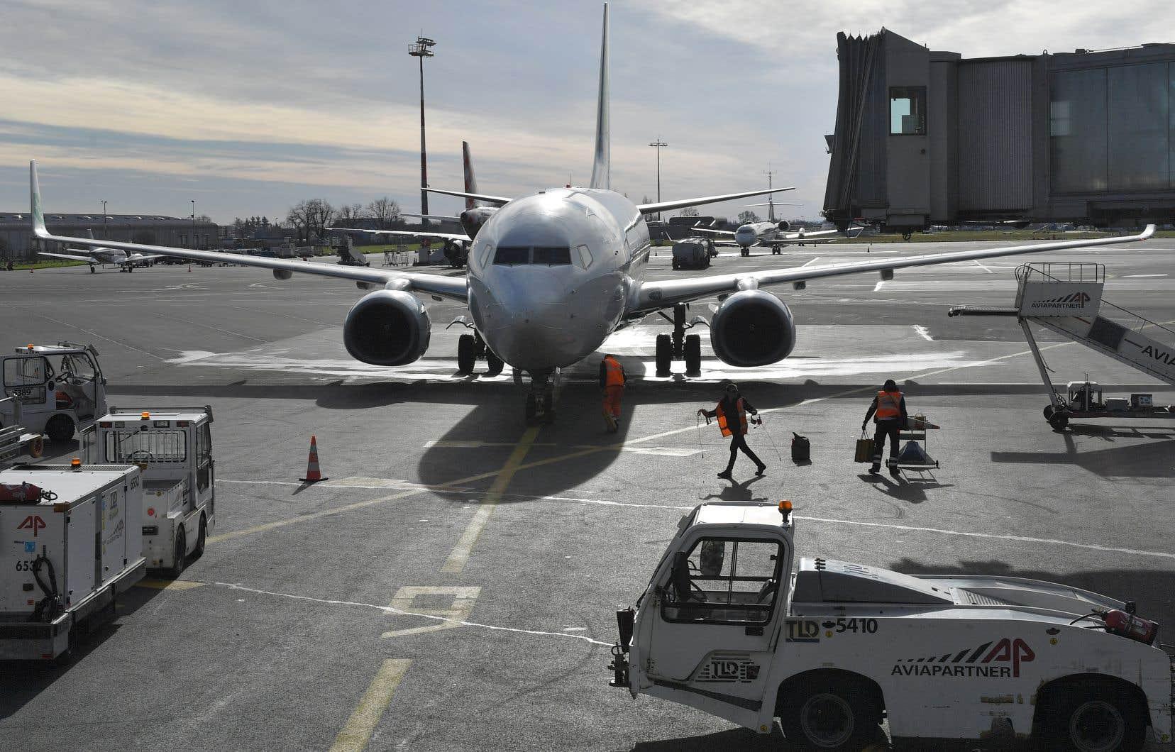 <p>Plusieurs aéroports européens ont commencé durant l'après-midi à signaler les perturbations attendues.</p>