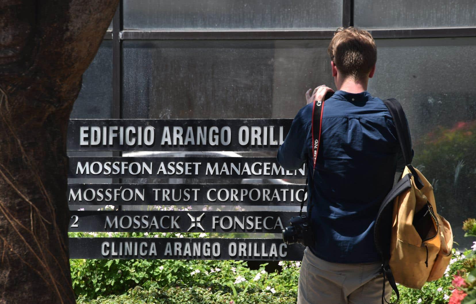 Les Panama Papers, comme d'autres affaires plus récentes, révélaient des pratiques d'évasion et d'évitement fiscaux adoptées par des milliers d'individus, soulignent les auteurs.