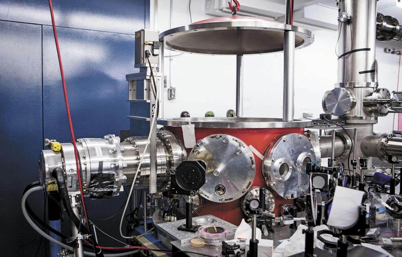 Vue d'une partie du laboratoire de sources femtosecondes de l'INRS
